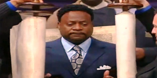 Eddie Long ... wrapped in a Torah for some reason